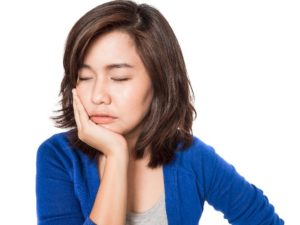 women with dental pain